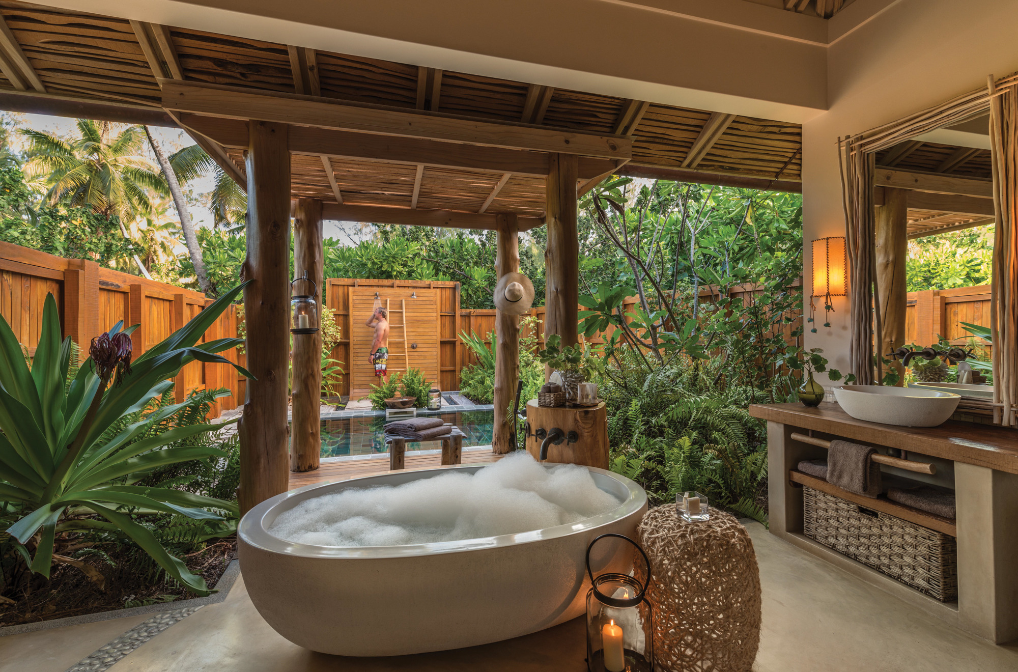 Add in Your Home an Outdoor Shower and See the Benefits