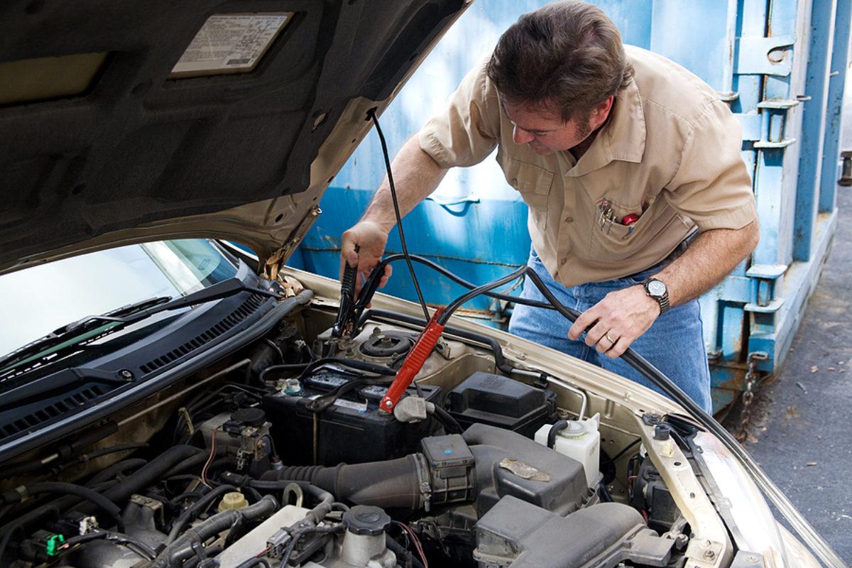 Auto Mechanic - Jumper Cables