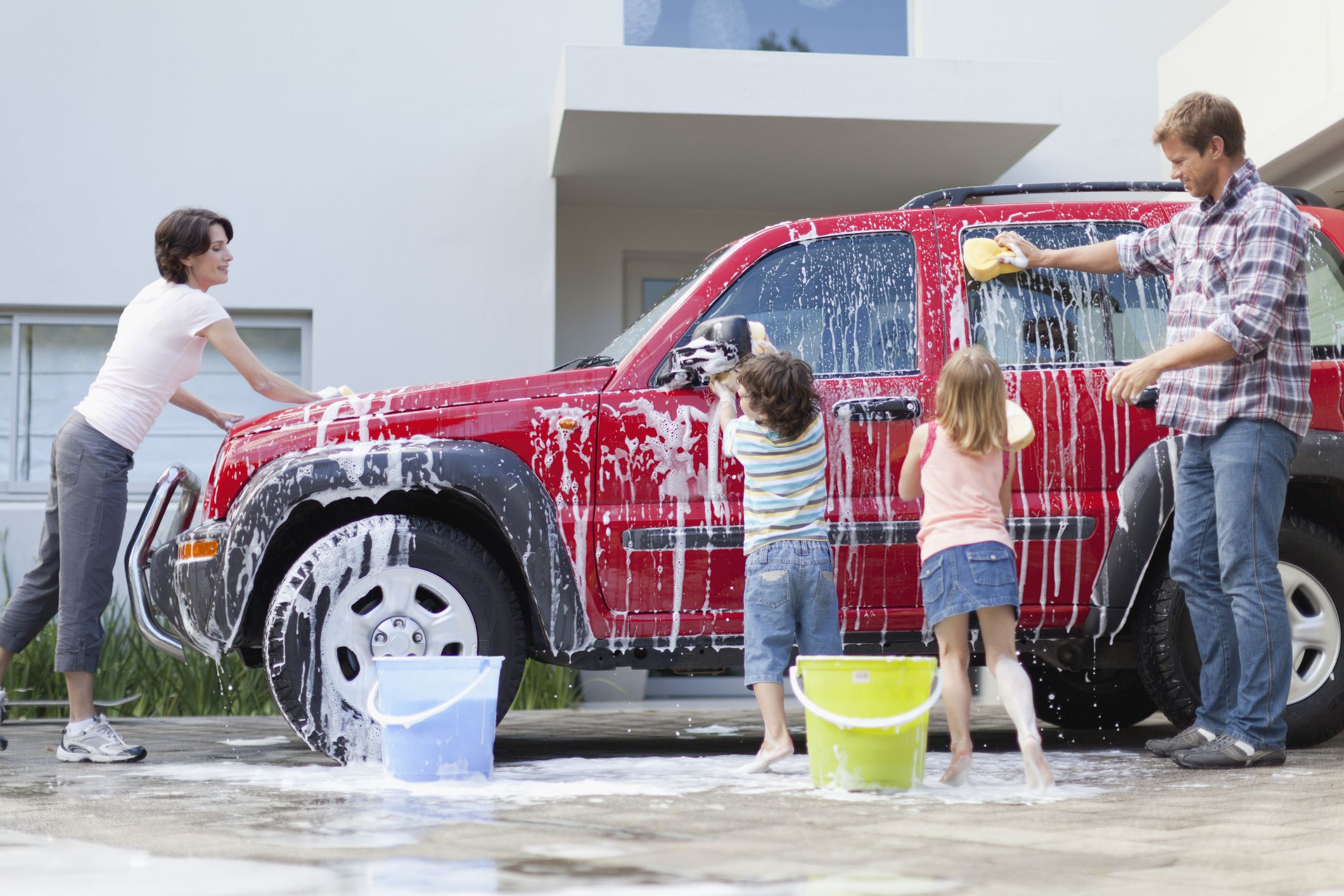 The 5 Best Eco-Friendly Car Washing Tips