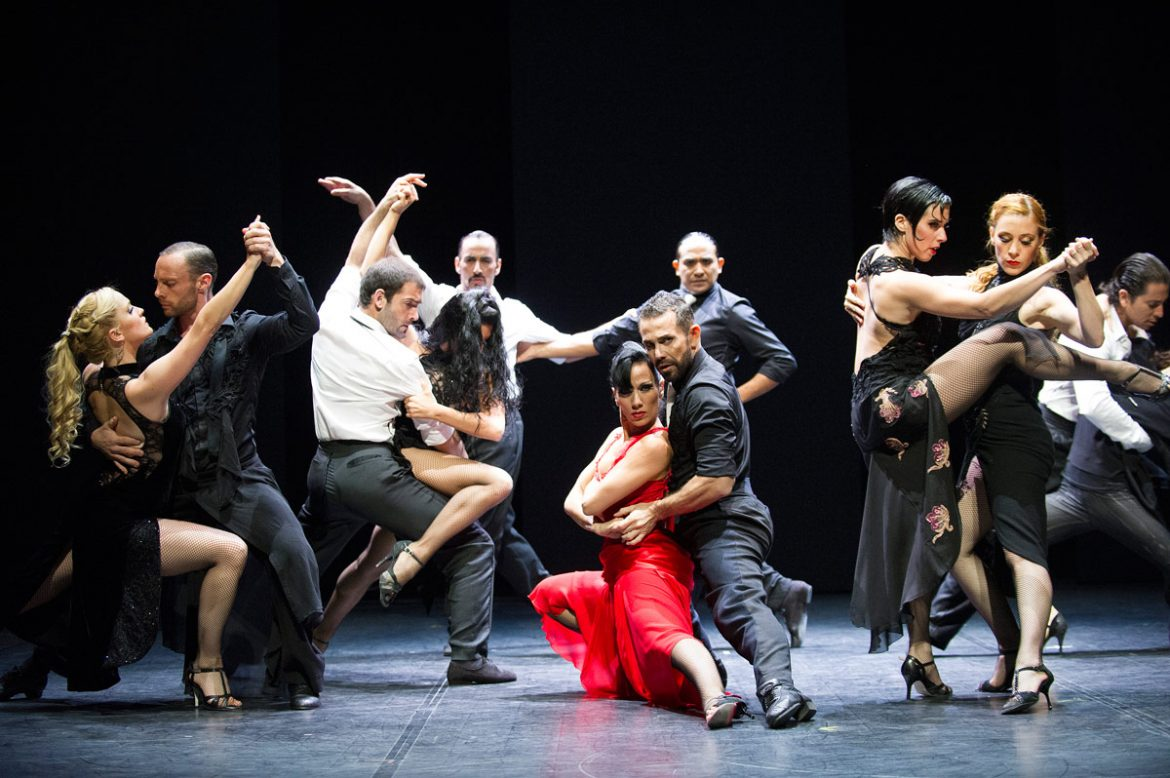 What Is the Role of Both the Genders in The Tango Dance World?