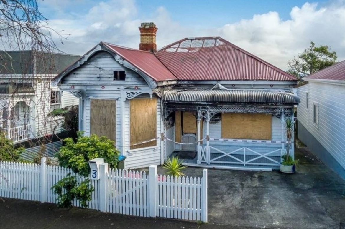 Selling A Building or Home In Poor Condition – What To Know?